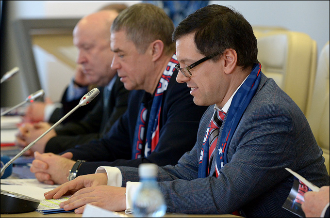 Дмитрий Ефимов на пресс-конференции, посвященной Кубку Вызова — 2014