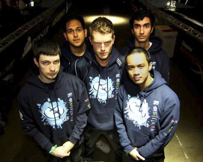 Evil Geniuses образца 2012 года: Fear, Bulba, Maelk, DeMoN, UNiVeRSe