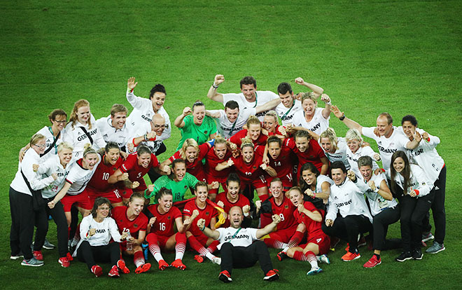 Сборная Германии одержала победу над командой Швеции со счётом 2:1