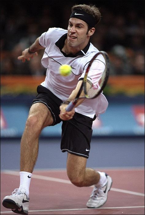 В 1998 году Грег Руседски выиграл два матча из двух, но не вышел из группы по дополнительным показателям.