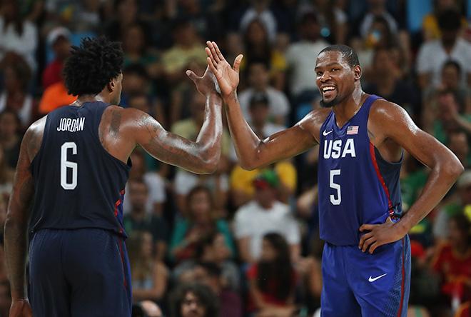 Американские баскетболисты вышли в финал