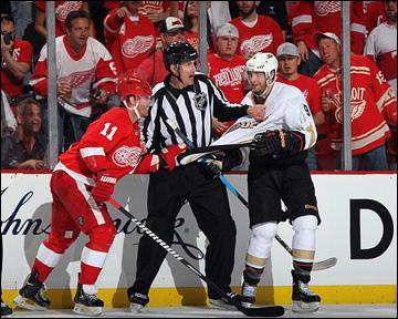 """4 мая 2013 года. Детройт. Плей-офф НХЛ. 1/8 финала. Матч № 3. """"Детройт"""" — """"Анахайм"""" — 0:4."""