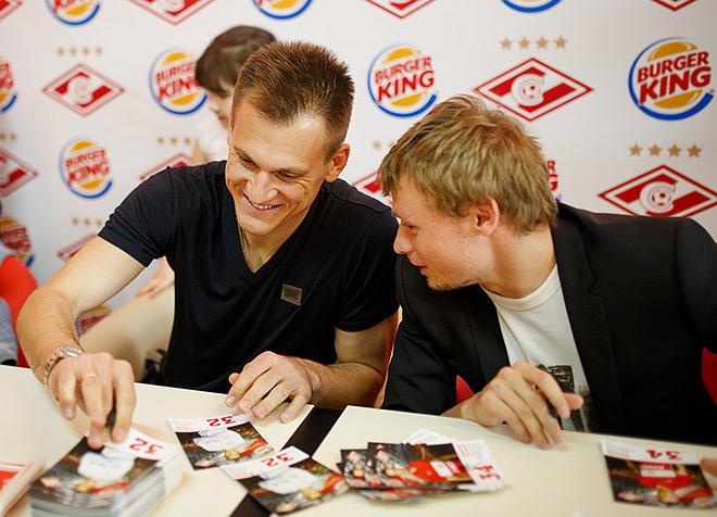 Артём Ребров и Евгений Макеев на встрече с воспитанниками детских домов