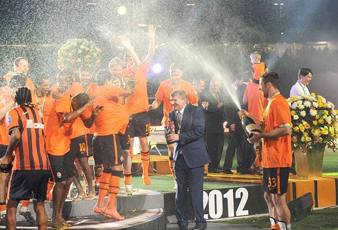 Чемпионы в шампанском