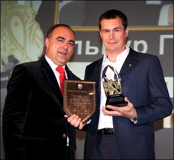 Ильнур Гизатуллин с управляющим директором ВХЛ Германом Скоропуповым