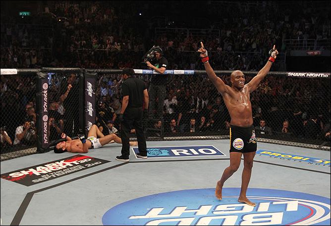 Главный бой турнира UFC Рио: Андерсон Силва — Юсин Оками