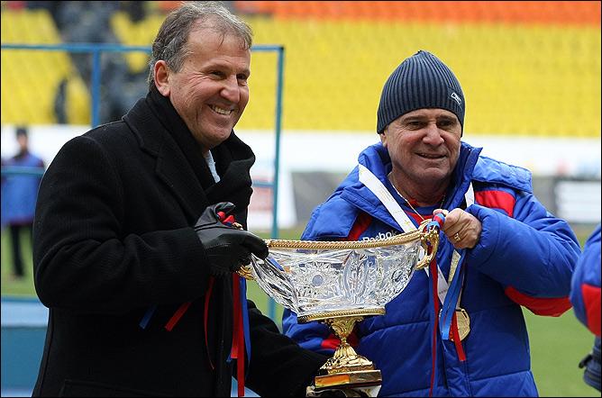 Зико и его первый трофей в России