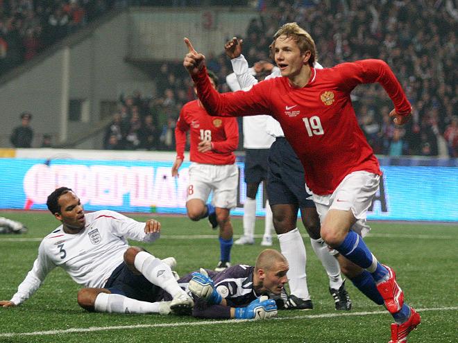 Роман Павлюченко после гола в ворота сборной Англии