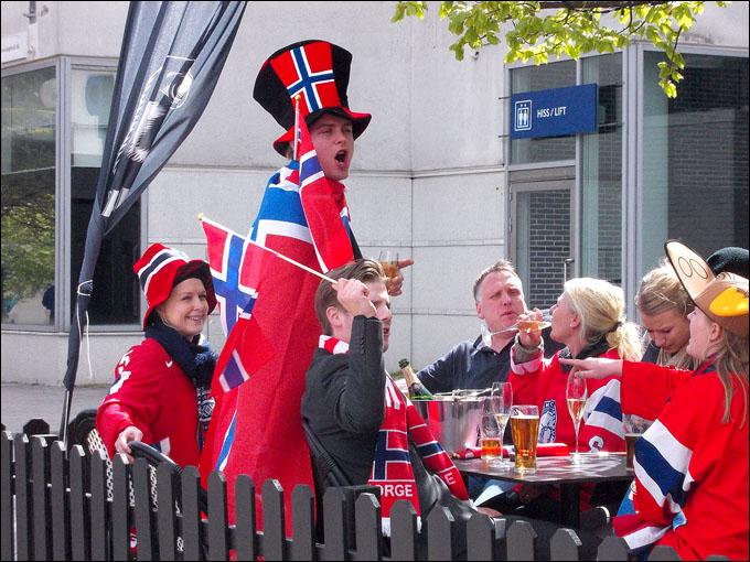 А норвежцы — домой…