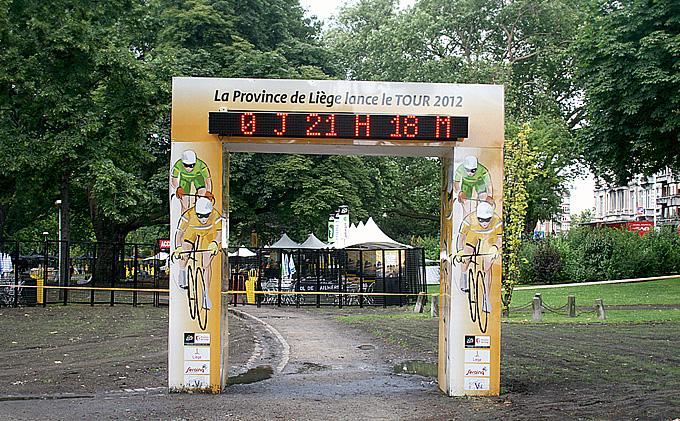 """Арка обратного отсчёта до старта """"Тур де Франс"""""""