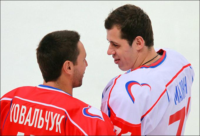 Илья Ковальчук и Евгений Малкин уже привыкают к российскому льду