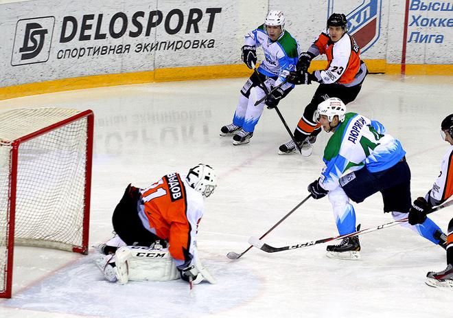 Лучший вратарь недели Никита Давыдов («Спутник»)