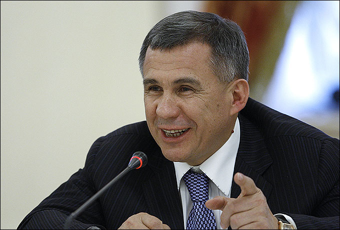 Президент республики Татарстан Рустам Минниханов всех поздравил