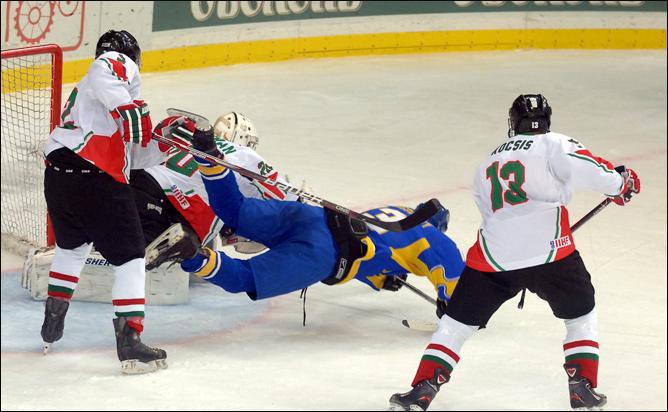 14 декабря 2011 года. Чемпионат мира (U-20). Дивизион II. Украина – Венгрия – 7:6.
