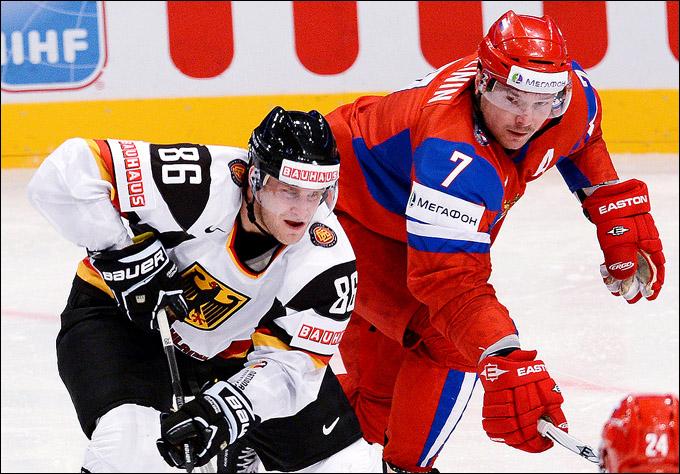 Дмитрий Калинин (справа) против Даниэля Пиетты