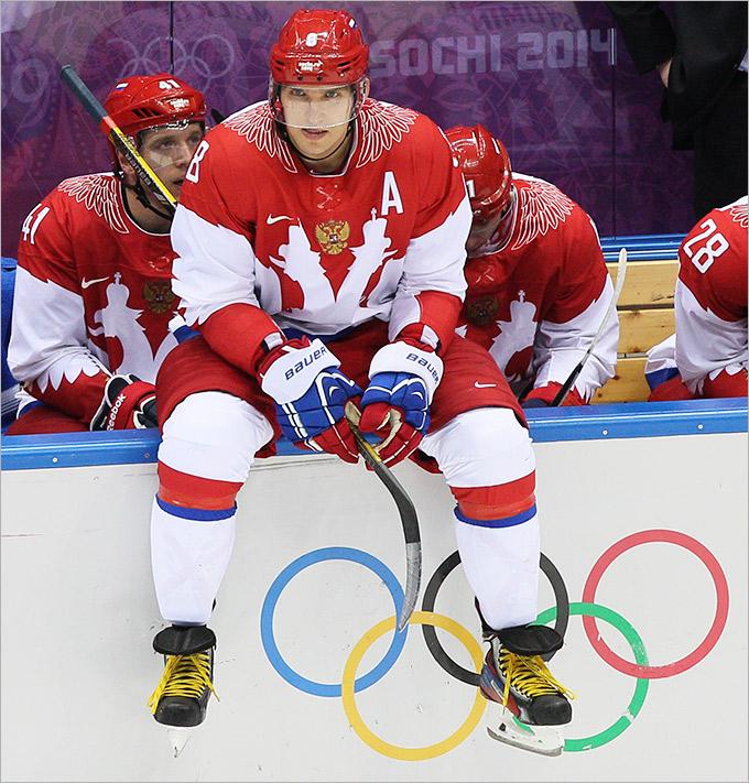 Сборная России по хоккею провалилась в 1/4 финала