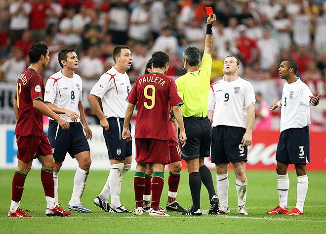 После инцидента Руни заявил, что больше не пожмёт Роналду руки