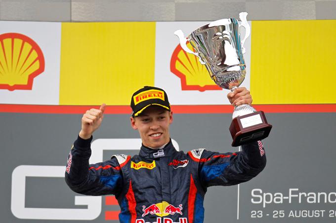 Даниил Квят празднует первую победу в GP3