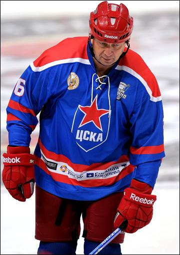 Сергей Гимаев в матче ветеранских команд
