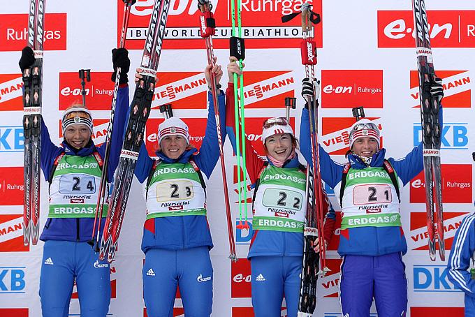 Женская сборная России — победительница эстафеты 2009 года: Ольга Зайцева, Яна Романова, Анна Булыгина и Светлана Слепцова