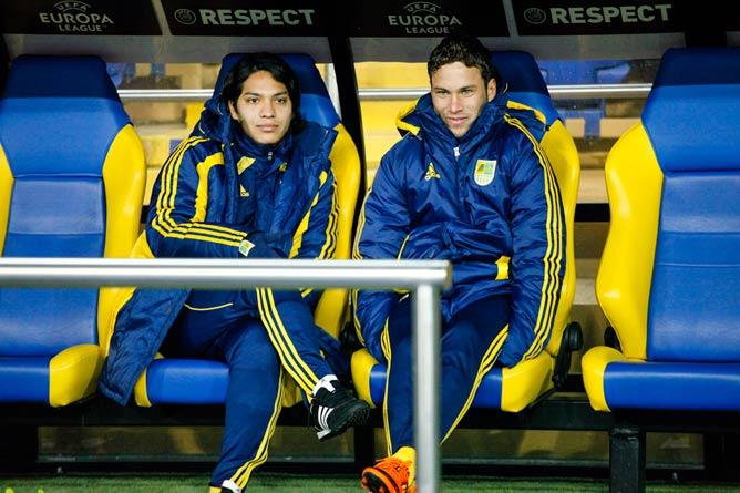 Марлос в компании аргентинца Торреса
