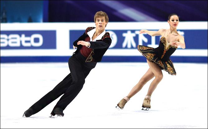 Елена Ильиных и Никита Кацапов