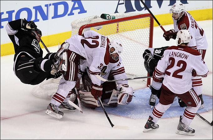 """18 мая 2012 года. Лос-Анджелес. Плей-офф НХЛ. Финал Западной конференции. """"Лос-Анджелес Кингз"""" — """"Финикс Койотс"""" — 2:1"""