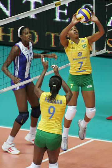 Фофао – связующая сборной Бразилии в 1994-2008гг.