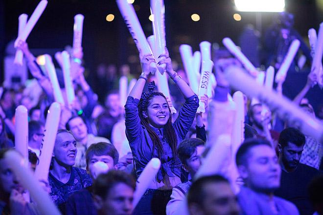 Фанаты Dota 2 и CS:GO заполнили зал Stereo Plaza