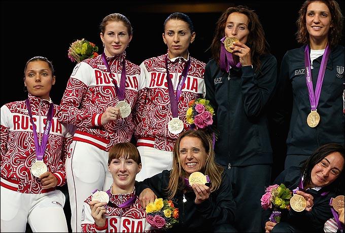 Женская сборная России по рапире, занявшая в Лондоне второе место, в финале была вчистую разгромлена итальянками