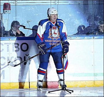 После предыдущего сезона губернатор был сам готов выходить на лёд