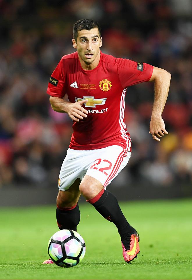 Генрих Мхитарян перебрался в «Манчестер Юнайтед»