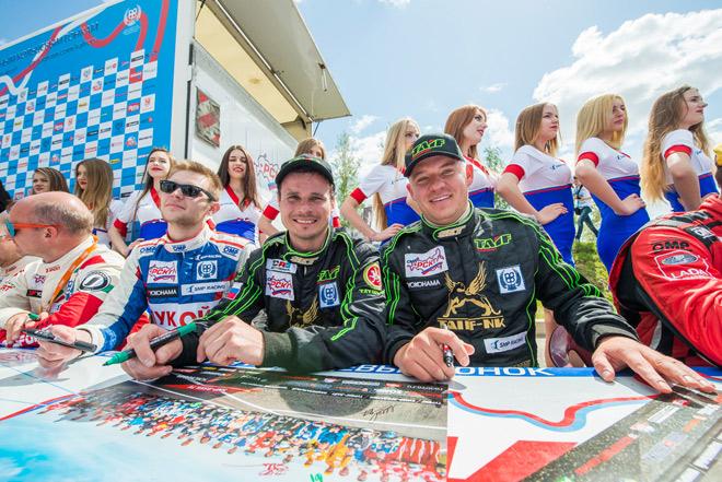 Товарищи по команде «Таиф Моторспорт» Дмитрий Брагин (слева) и Марат Шарапов