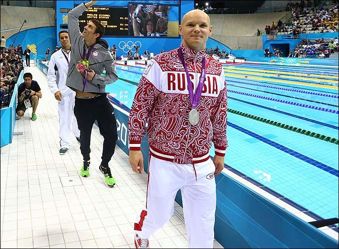 Серебряный призёр Лондона-2012 Евгений Коротышкин совершает круг почёта