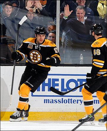"4 февраля 2014 года. Бостон. Регулярный чемпионат НХЛ. ""Бостон"" — ""Ванкувер"" — 3:1. Милан Лучич"