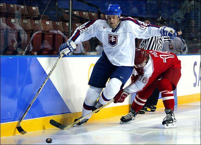 """На Олимпиаде-2002 НХЛ не отпустила игроков на предварительные соревнования и словаки не смогли пробиться в основную """"пульку""""."""