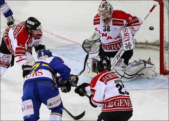 "28 декабря 2010 года. Кубок Шпенглера. ""Давос"" (Швейцария) - сборная Канады - 3:2."