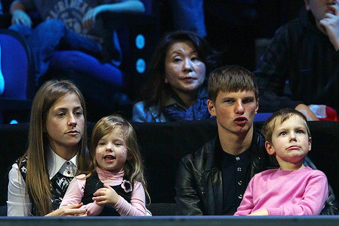 Андрей Аршавин с дочерью Яной и сыном Артёмом