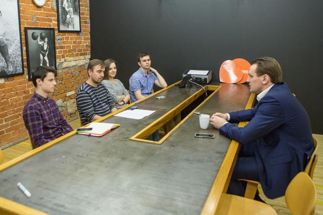 Дмитрий Булыкин и журналисты «Чемпионата»