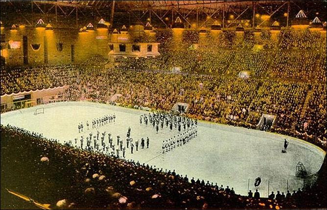 """Кубок Стэнли. Часть 40. 1931-1932. Открытие матча """"Торонто"""" на поздравительной открытке 1931 года."""