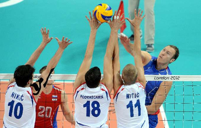 Тарас Хтей в матче со сборной Сербии