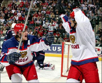Дмитрий Пестунов (справа)