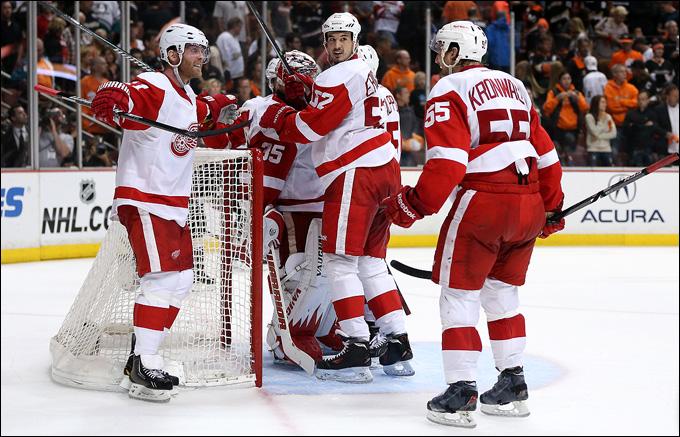 """12 мая 2013 года. Анахайм. Плей-офф НХЛ. 1/8 финала. Матч № 7. """"Анахайм"""" — """"Детройт"""" — 2:3. """"Красные Крылья"""" идут дальше!"""