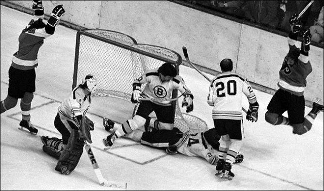 """Фрагменты сезона. 9 мая 1974 года. Финал. """"Бостон"""" - """"Филадельфия"""". Победная шайба гостей."""