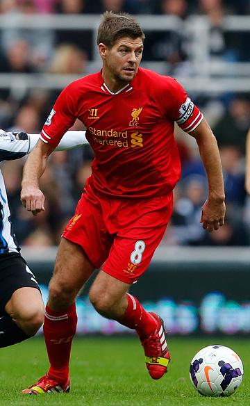 Стивен Джеррард забил юбилейный, 100-й гол в премьер-лиге