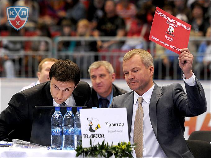 Владимир Кречин на драфте юниоров КХЛ-2012
