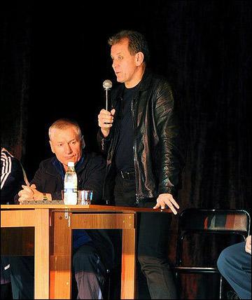 Михаил Варнаков на встрече с болельщиками