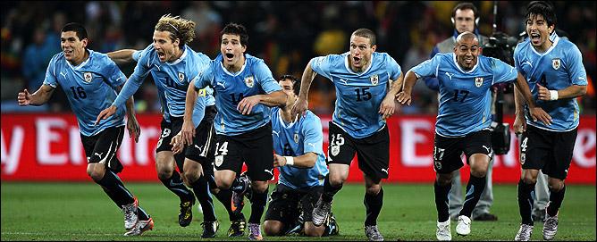 Уругвай в полуфинале!