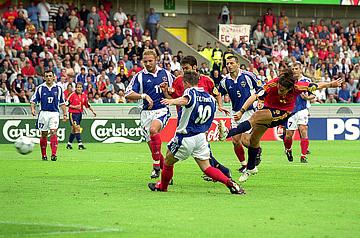 Евро — 2000. Испания – Югославия – 4:3. Победный гол Альфонсо