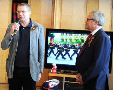 Сборная на приёме в посольстве России в Стокгольме. Александр Медведев